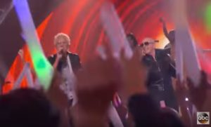 REO Speedwagon Performs with Pitbull – ABC's Greatest Hits